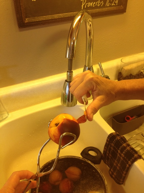 Peeling Boiled Peaches for Pie