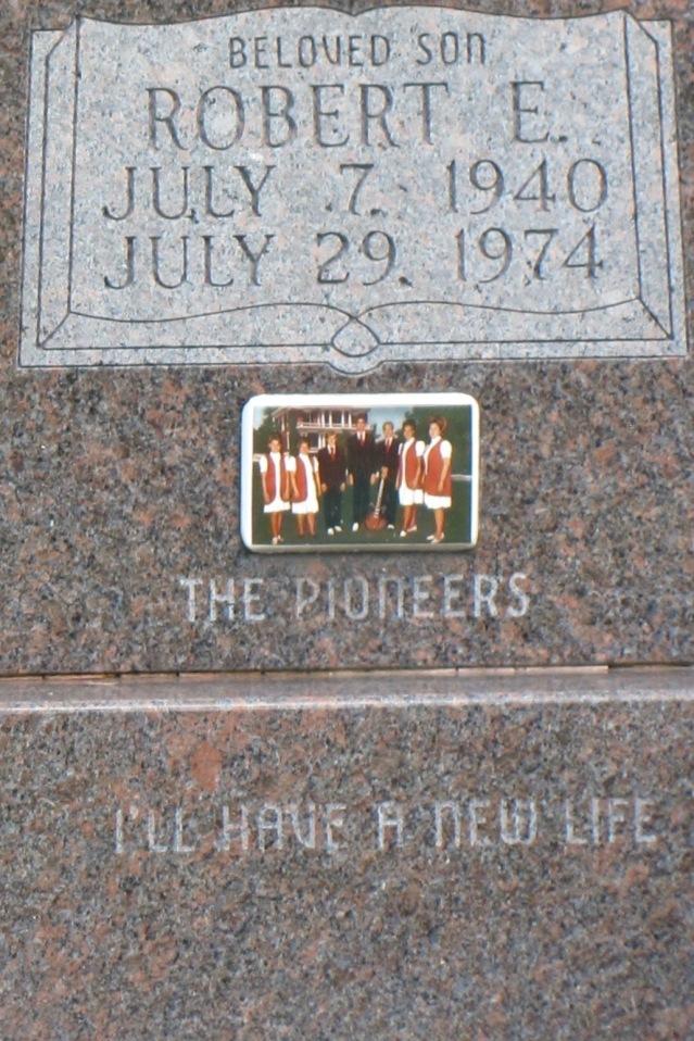 Robert Gilbert tombstone